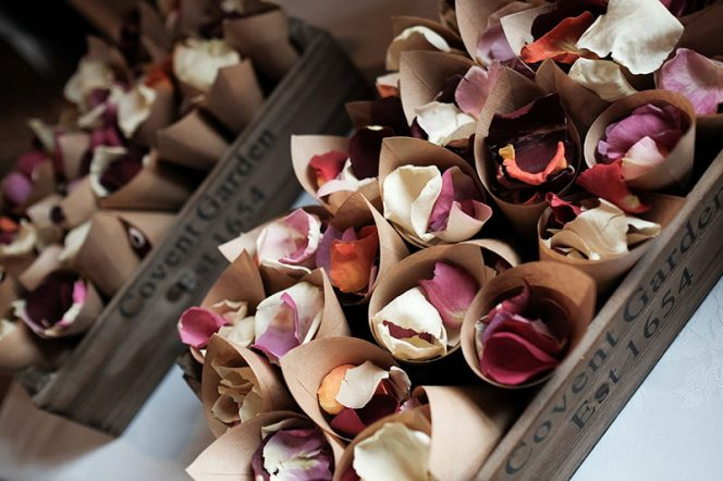Pretty Wedding Confetti / Photo: Kevin Watkin
