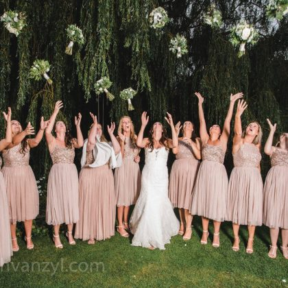 A blushing bride & her bridesmaids, Essex Wedding Venue / Photo: Leah Van Zyl Photography