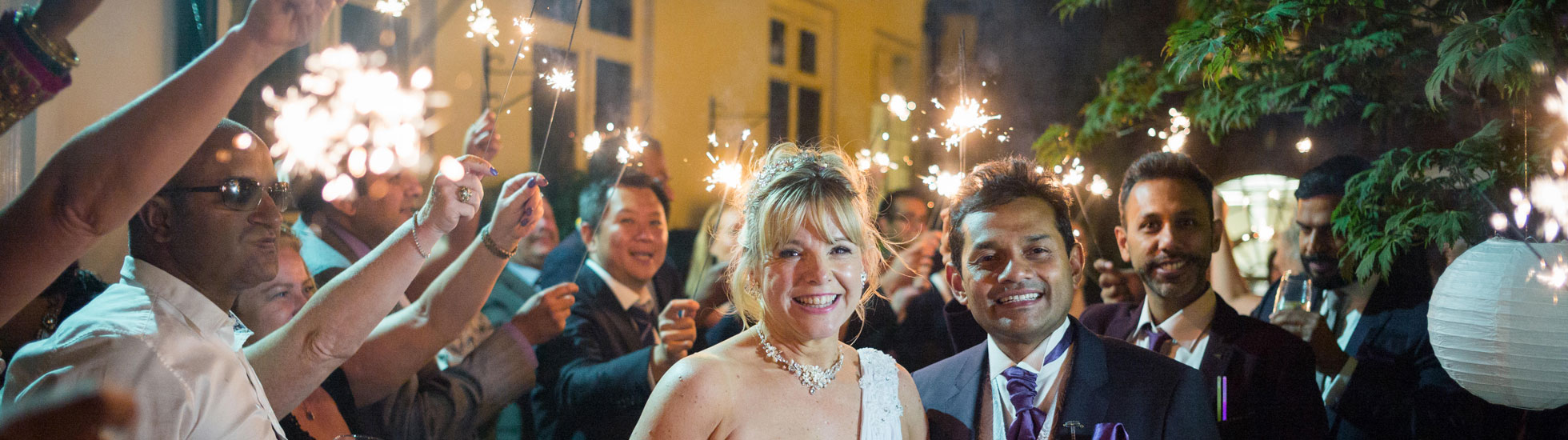 Wedding Sparkler Fun at Stationers Hall, London / Photo: Douglas Fry Photography